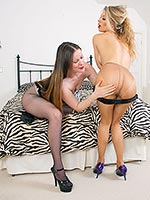 Vicky And Michelle Have Ripping Pantyhose Sex In The Bedroom - Picture 4