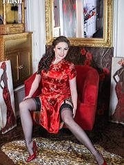 Sophia In A Silk Dress And Vintage Leopard Print Lingerie - Picture 4