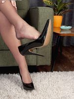 Taylor Morgan - Sweet Nylon Feet - Picture 3