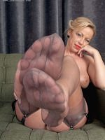 Taylor Morgan - Sweet Nylon Feet - Picture 16
