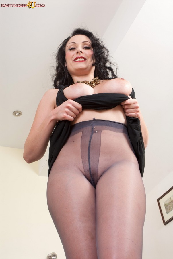 Are Tears on pantyhose is