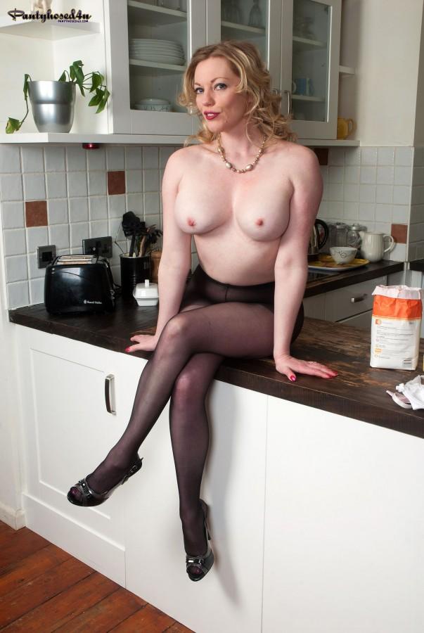 Mary Mccormack Nude