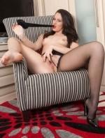 Sexy Pics 4 U- Cody Coxx – Shredding my attractive nylons! @ Pantyhose4u.net