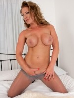 Sexy Pics 4 U- Ashleigh Embers – I like to tease! @ Pantyhose4u.net