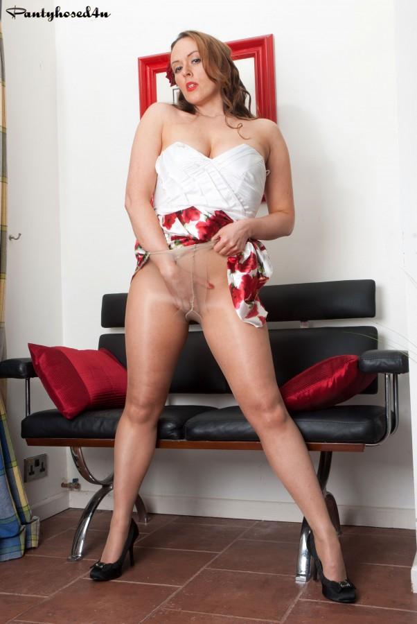 Short dress pantyhose