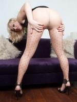 Sexy Pics 4 U- Axa – Polka dot pantyhosed popsy! @ Pantyhose4u.net