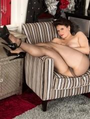 Sexy Pics 4 U- Brianna Inexperienced – Pantyhose Mates @ Pantyhose4u.net