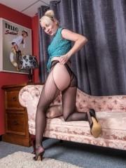 Sexy Pics 4 U- Kiana Kraze – Rip torn teaser! @ Pantyhose4u.net