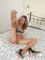 Sophie - Torn My Pantyhose Feet For You To Spunk On - Picture 6