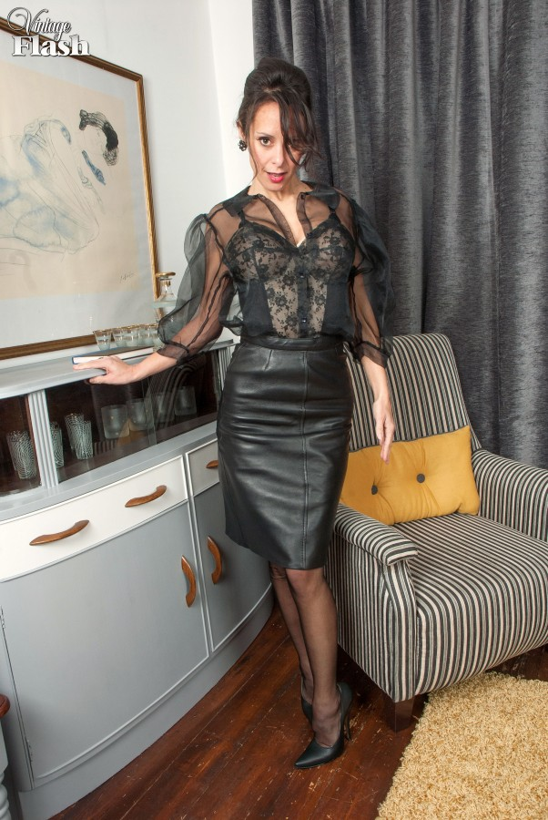 Milf amateur leather skirt